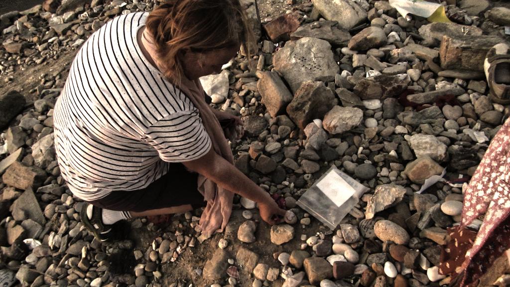 Sveta Leaving Stones at Cruz de Ferro