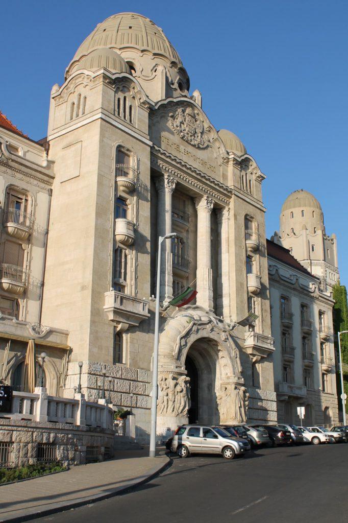 Gellért-Hotel-06-Art-Nouveau-in-Budapest-Hungary