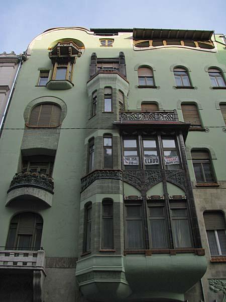 House-of-Hungarian-Art-Nouveau-06 Art Nouveau in Budapest Hungary