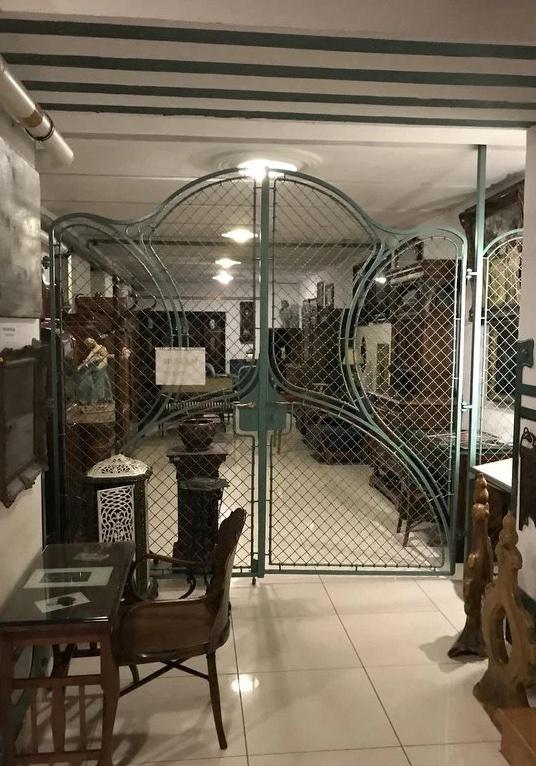 House-of-Hungarian-Art-Nouveau-10