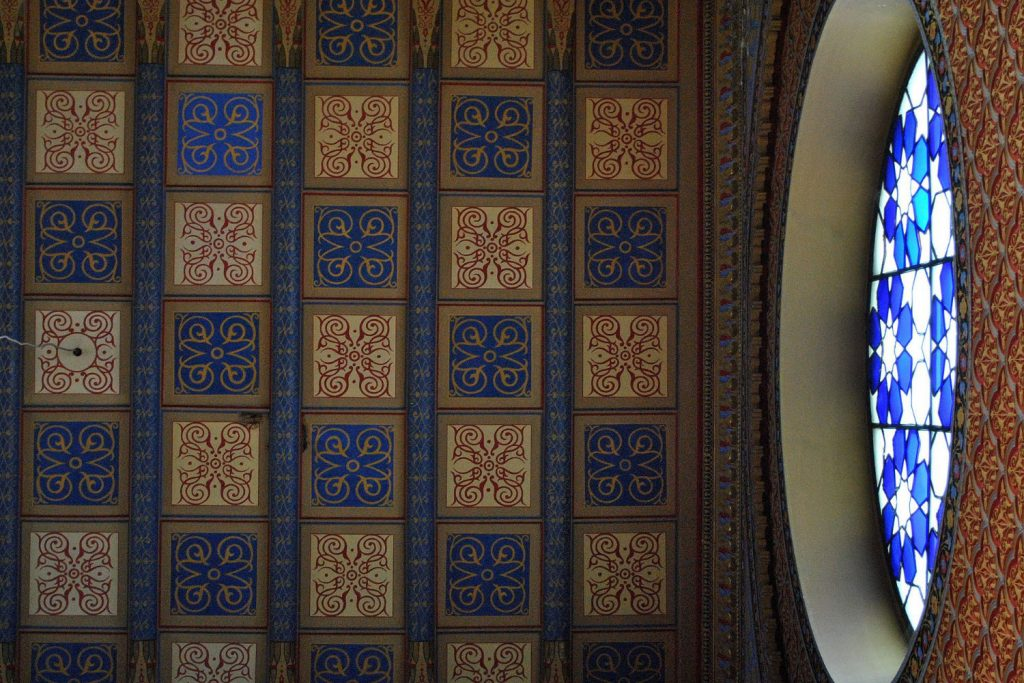 Rumbach-Street-Synagogue-01-Art-Nouveau-in-Budapest-Hungary