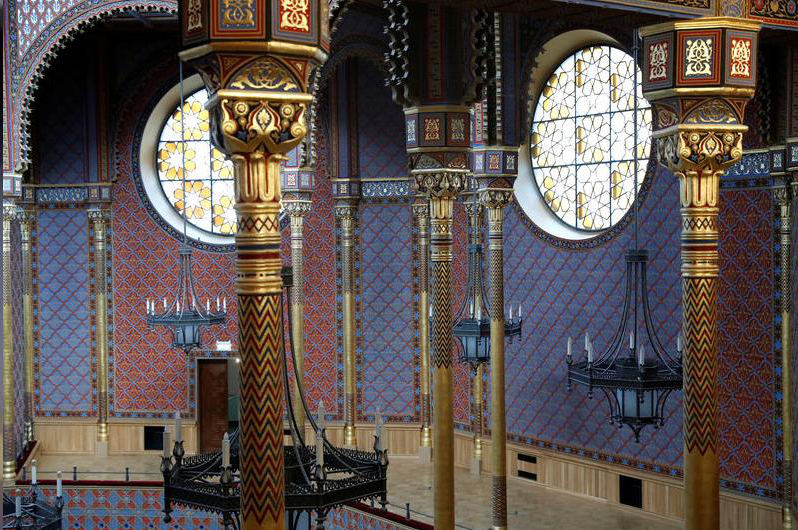 Rumbach-Street-Synagogue-03-Art-Nouveau-in-Budapest-Hungary