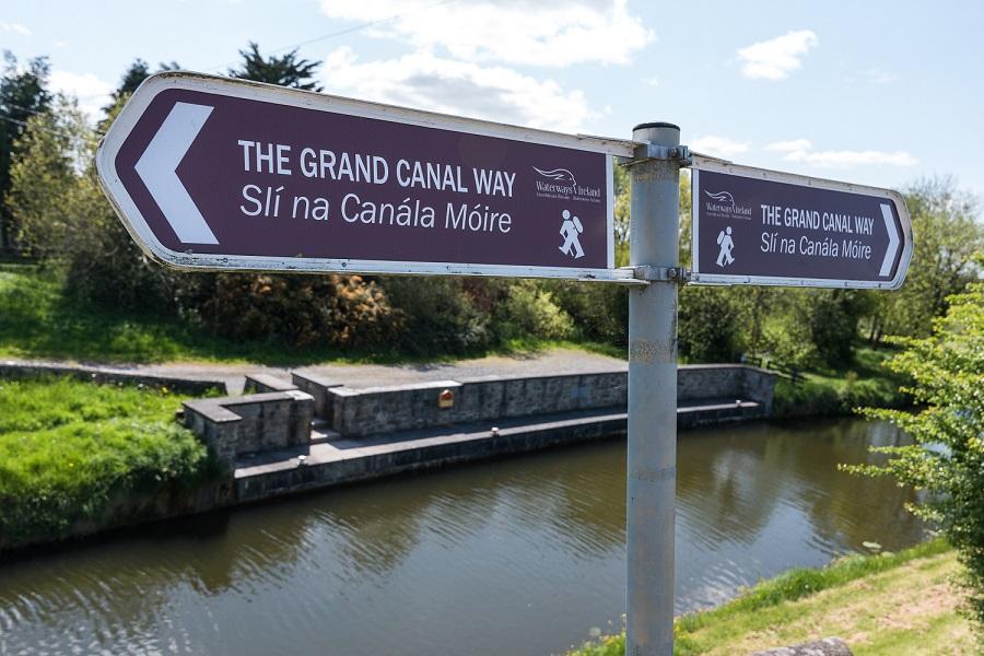 Grand Canal Way Ireland 01