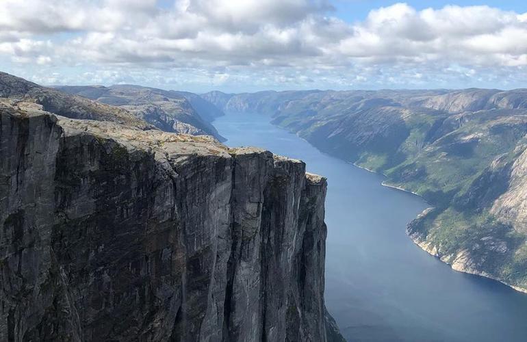 Kjerag Summit Norway 01