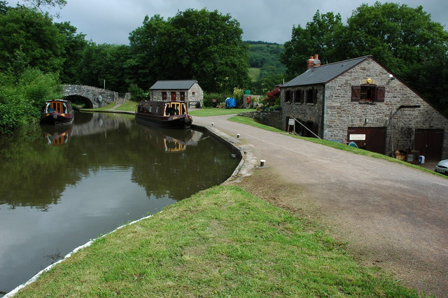 Monmouthshire and Brecon Canals 02
