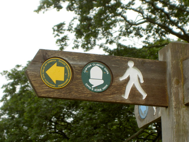 Offa's Dyke Path 04 Signpost