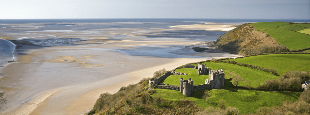 Wales Coast Path Llansteffan-Castle