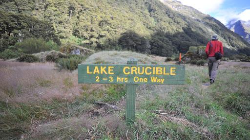 Crucible-Lake-New-Zealand-Sign