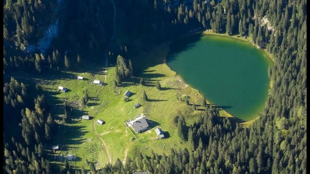 Koča na Planini pri Jezeru - aerial view